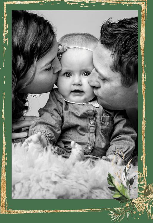 Photo de famille Papa, maman et bébé - Studio END Naucelle en Aveyron
