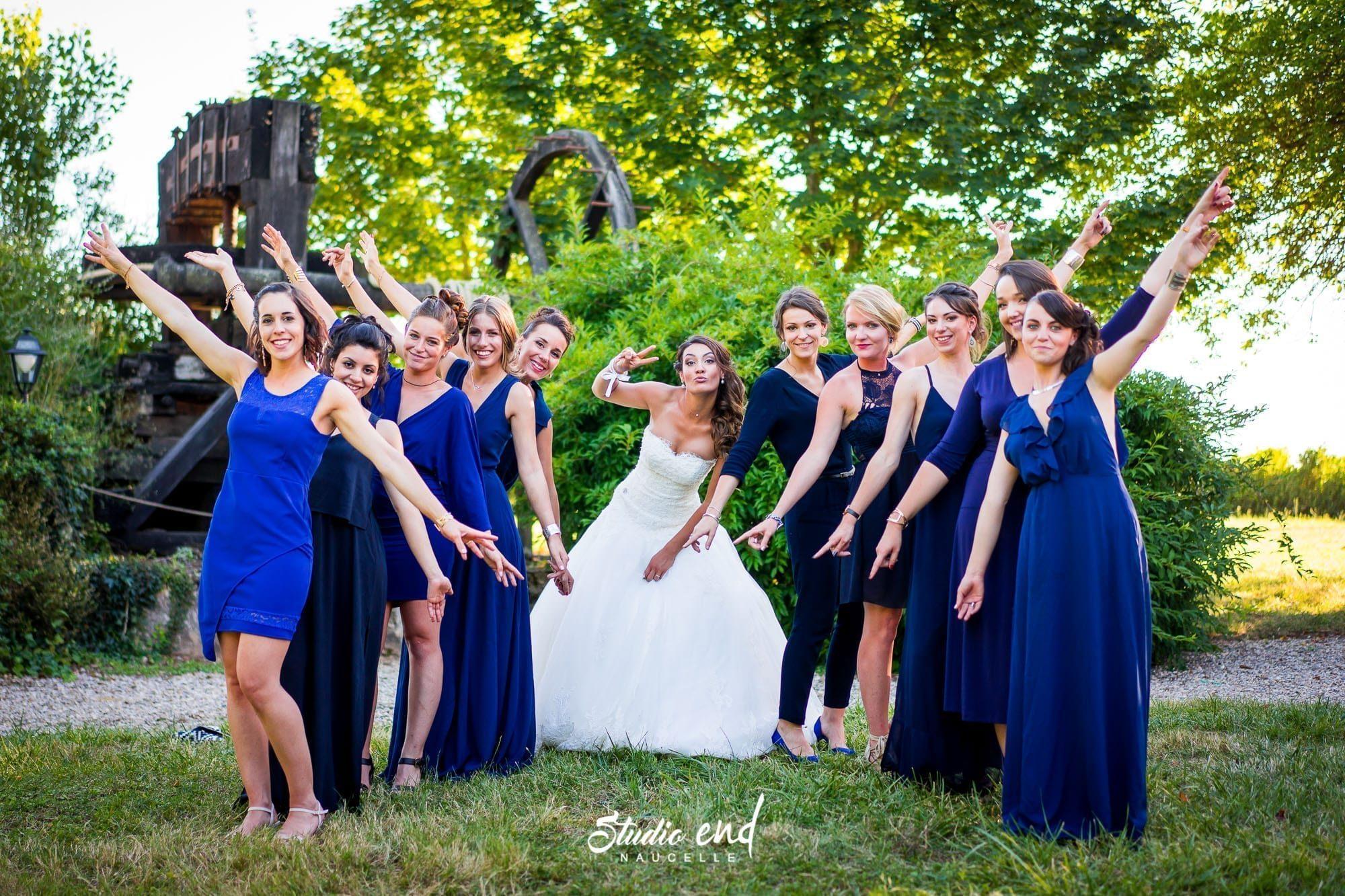 Photo de mariage dans le Tarn Reportage mariage Photo de groupe humour
