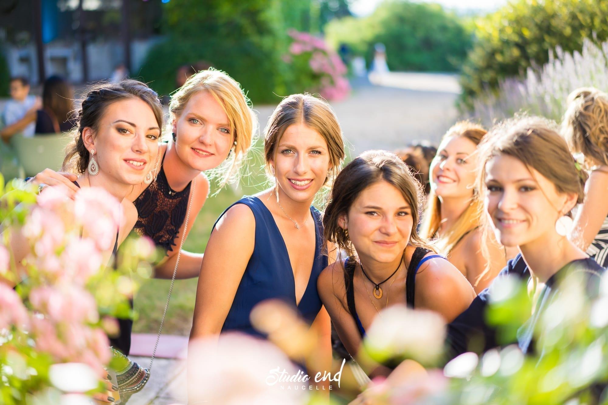 Photo de mariage dans le Tarn Reportage mariage Photo de groupe demoiselles d'honneur