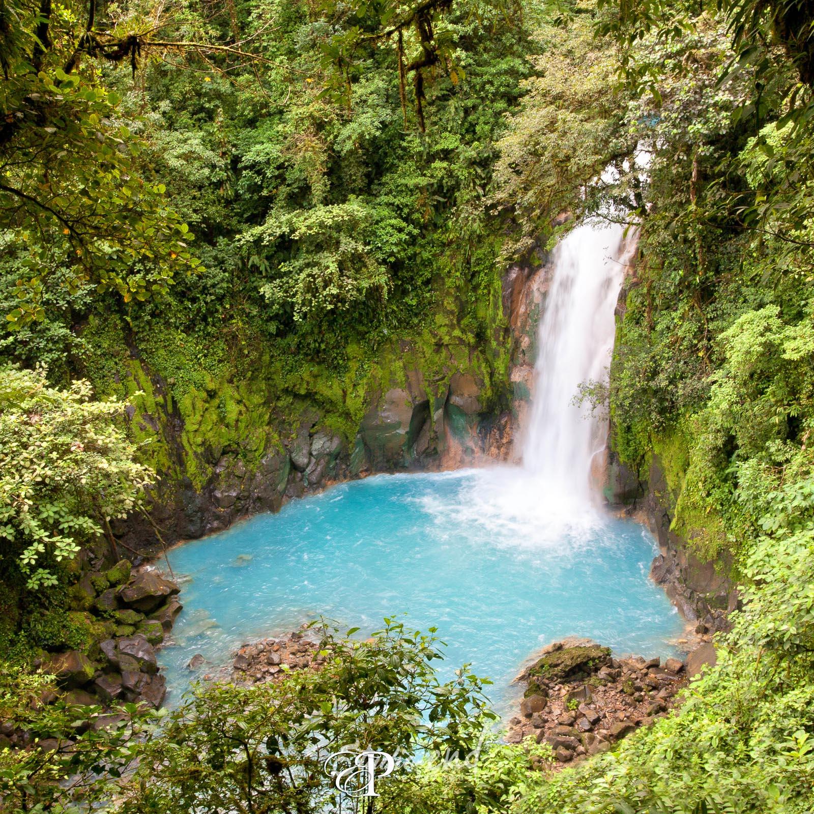 Photographe et reportage de voyage cascade Costa Rica Nicolas Delsaut