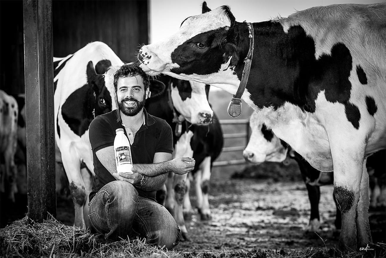 Photographie noir et blanc, publicité pour un producteur de lait