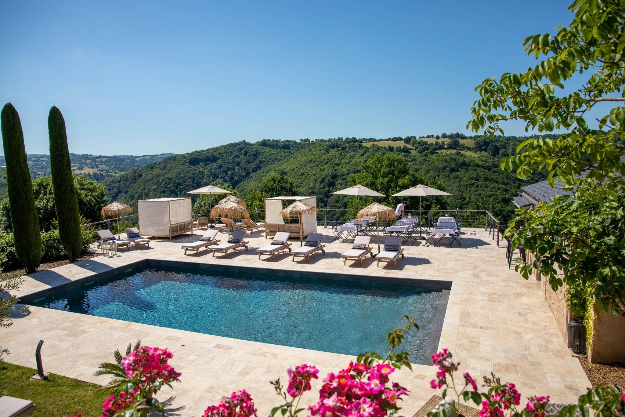Photographie Gite et chambres d'hôte en Aveyron Piscine et terrasse en Aveyron - réalisation Studio END Rodez