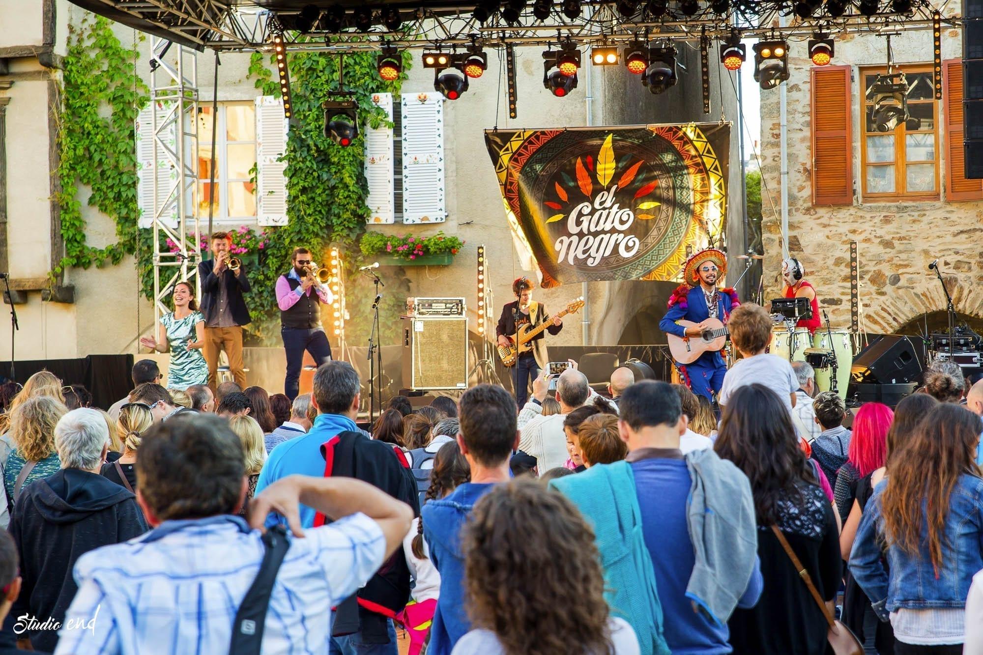 El Gato Négro, concert à Sauveterre de Rouergue, photo Studio End