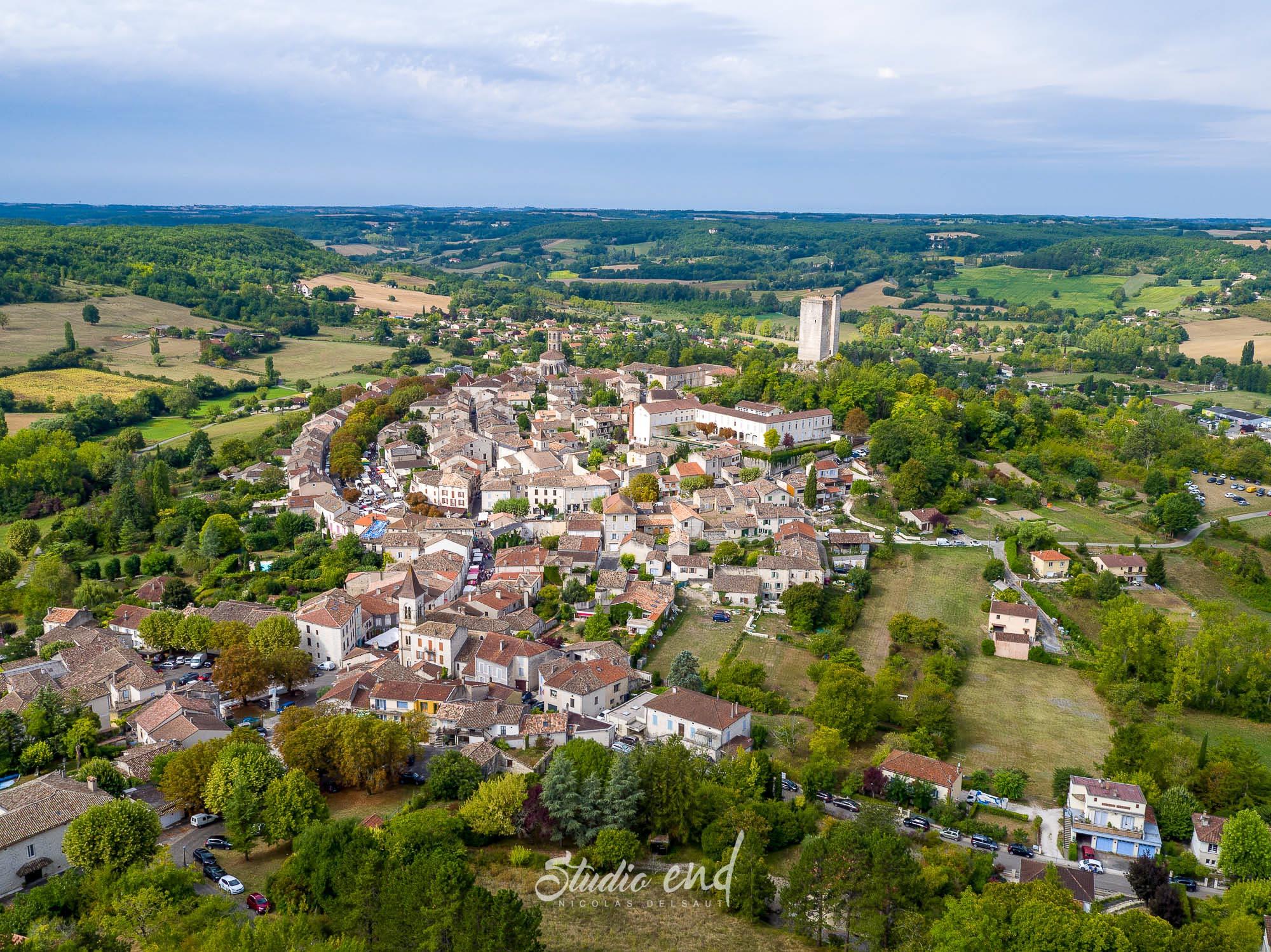 Photo de Montcuq, prise de vue drone et aérienne