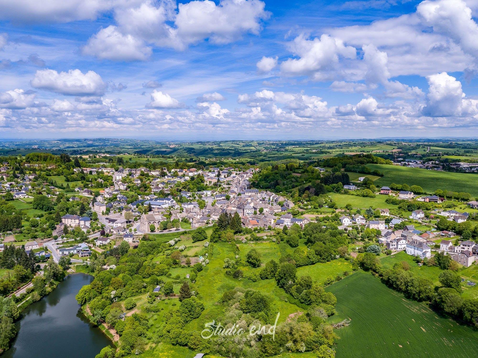 Photographie aérienne grace à un drone Rieupeyroux Studio End