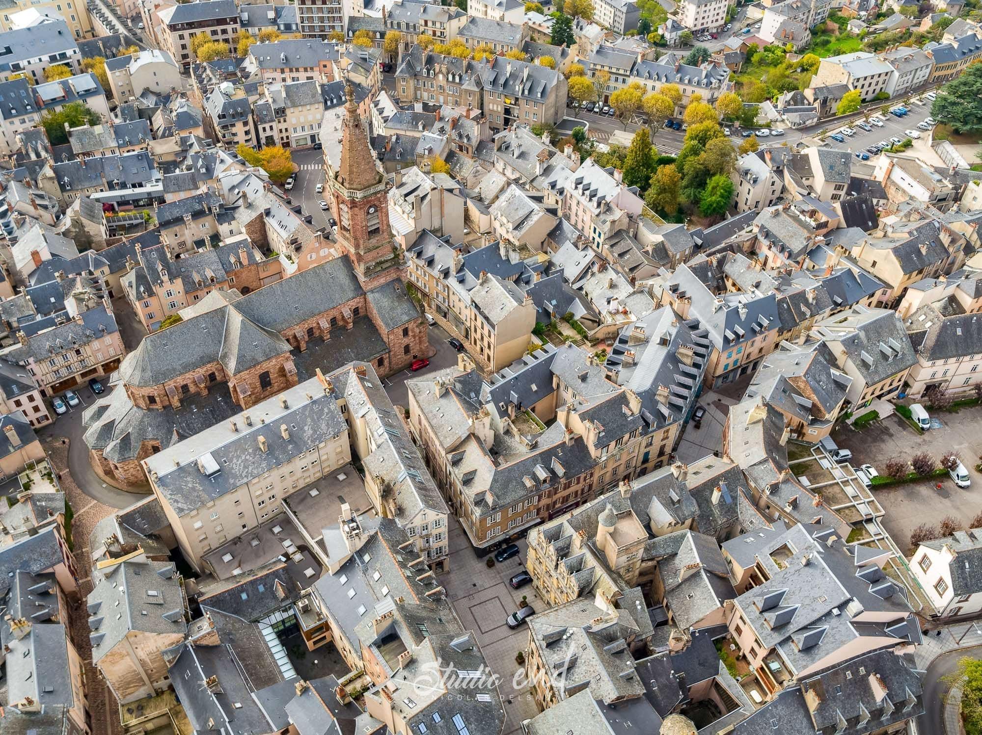 Photographie aérienne grace à un drone Cathédrale Rodez