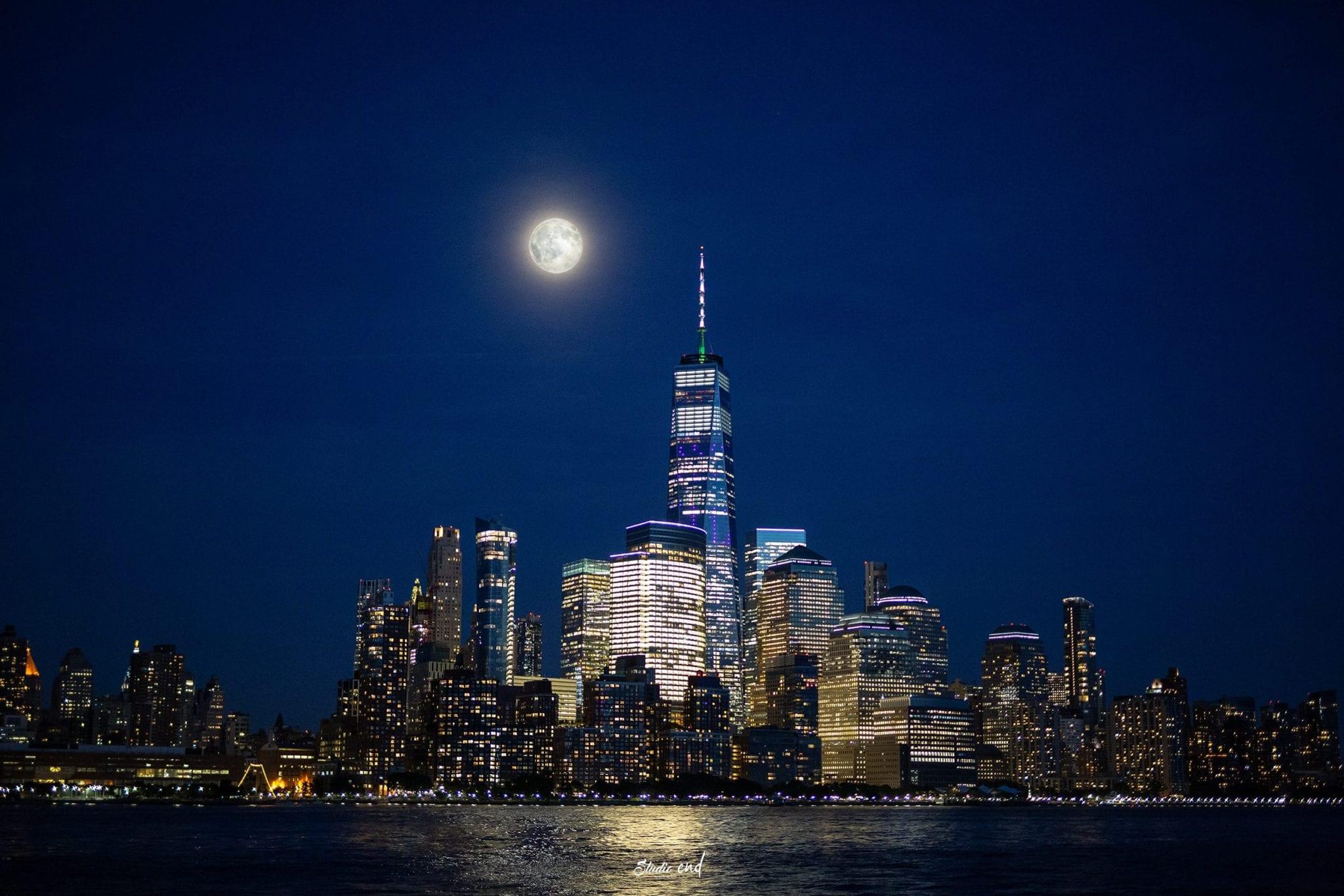Vue de la Skyline et du One Word Trade Center de New York