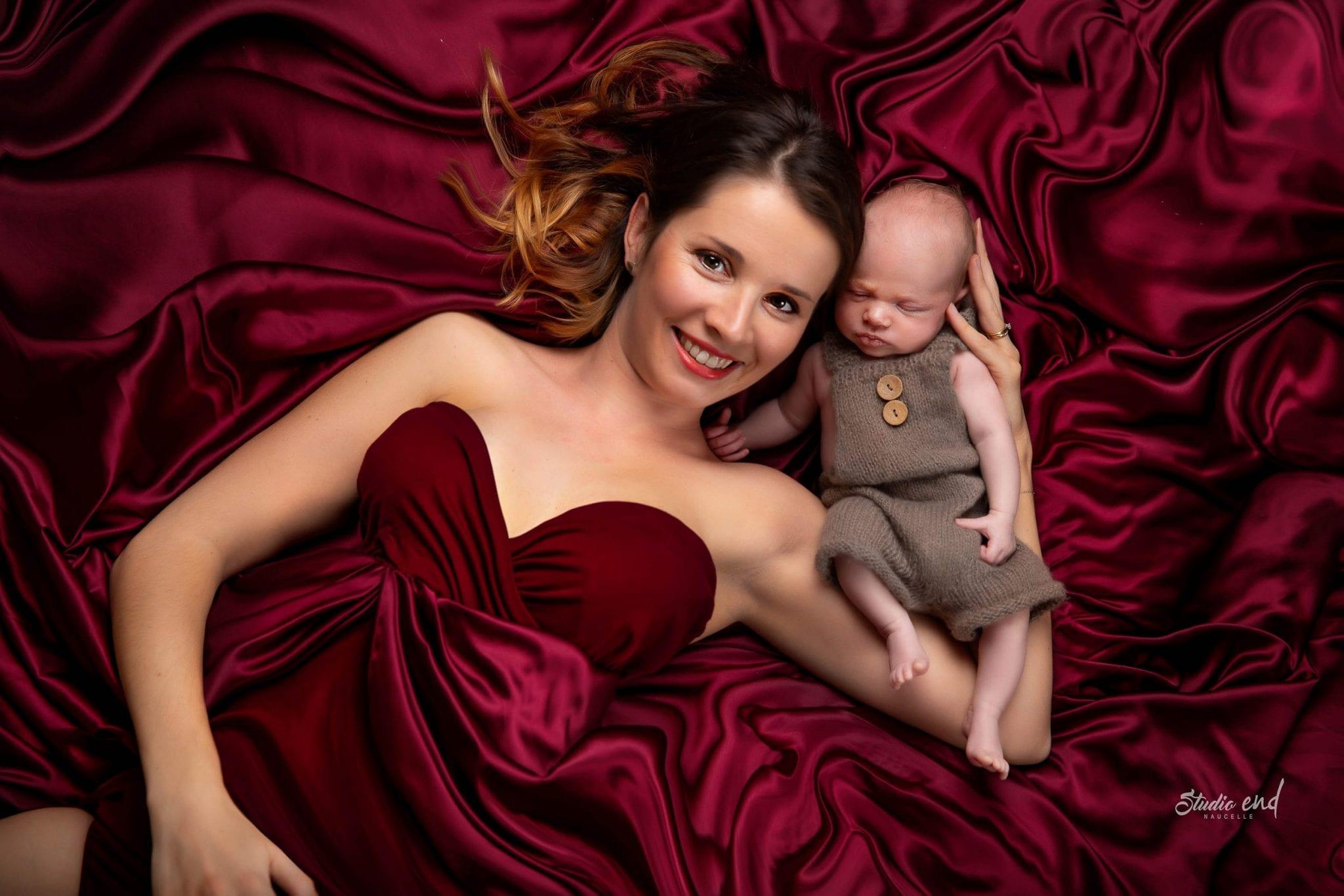 Photographe maman et bébé Studio End