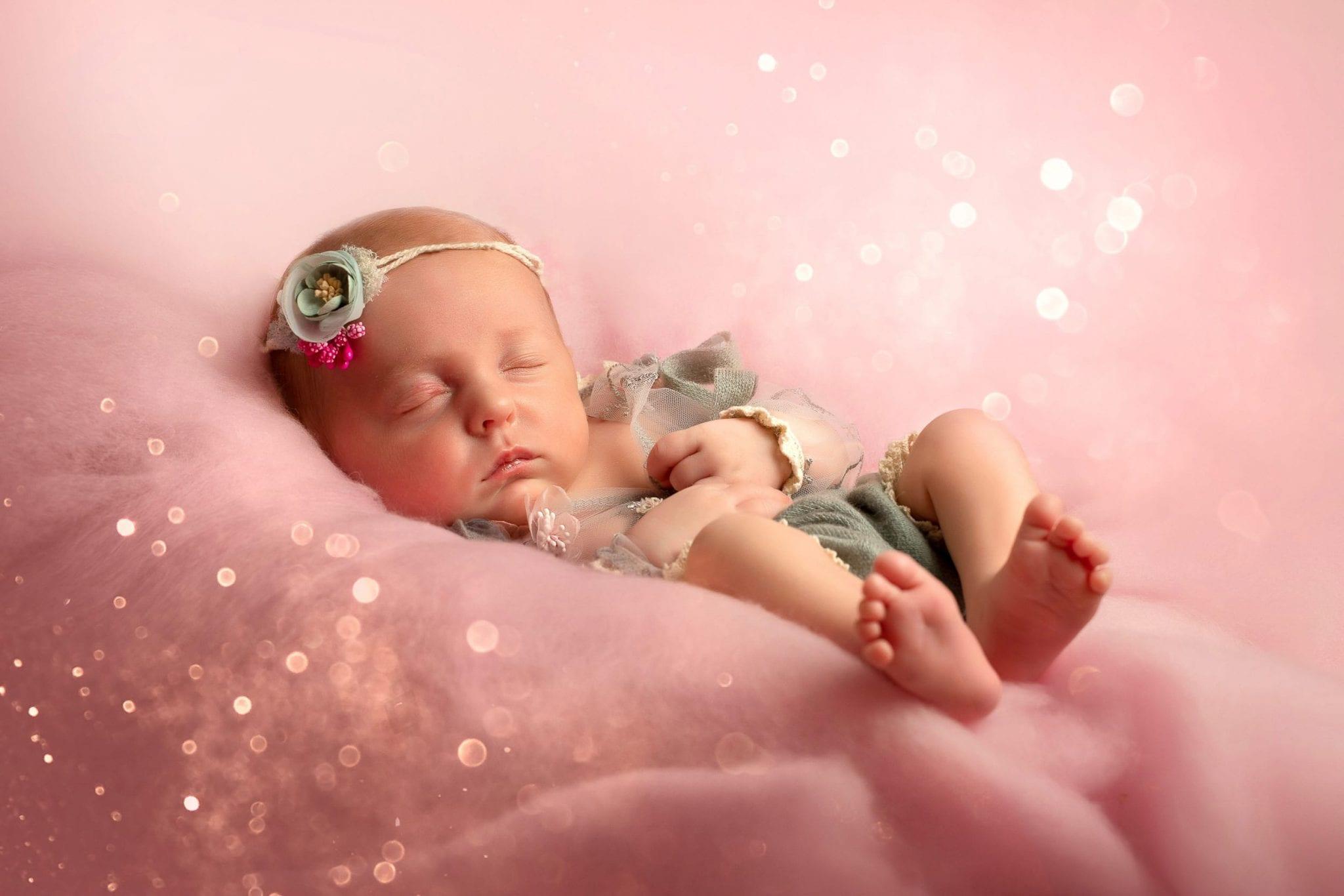 Photographe de bébé, nouveau né originale Occitanie