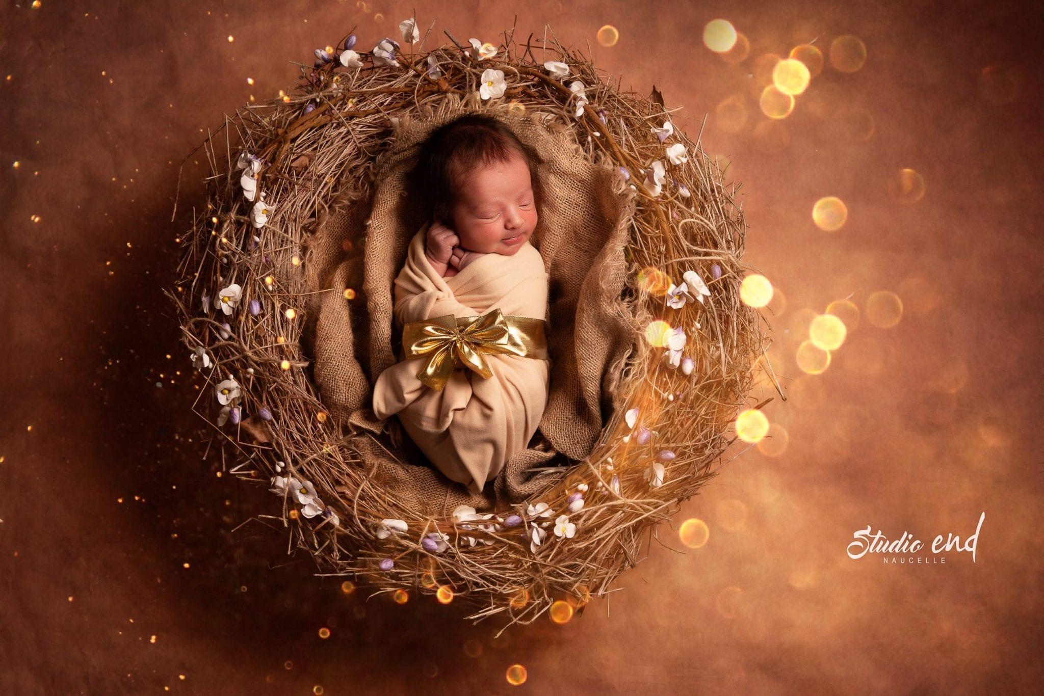Photographe de bébé, nouveau né originale Toulouse