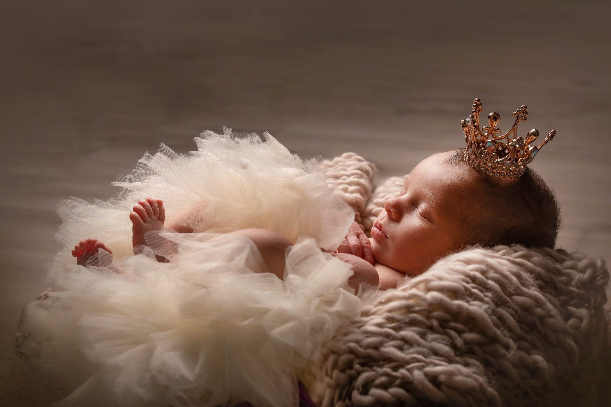 Princesse bébé, photo d'art, artistique nouveau né, bébé à Rodez et Albi