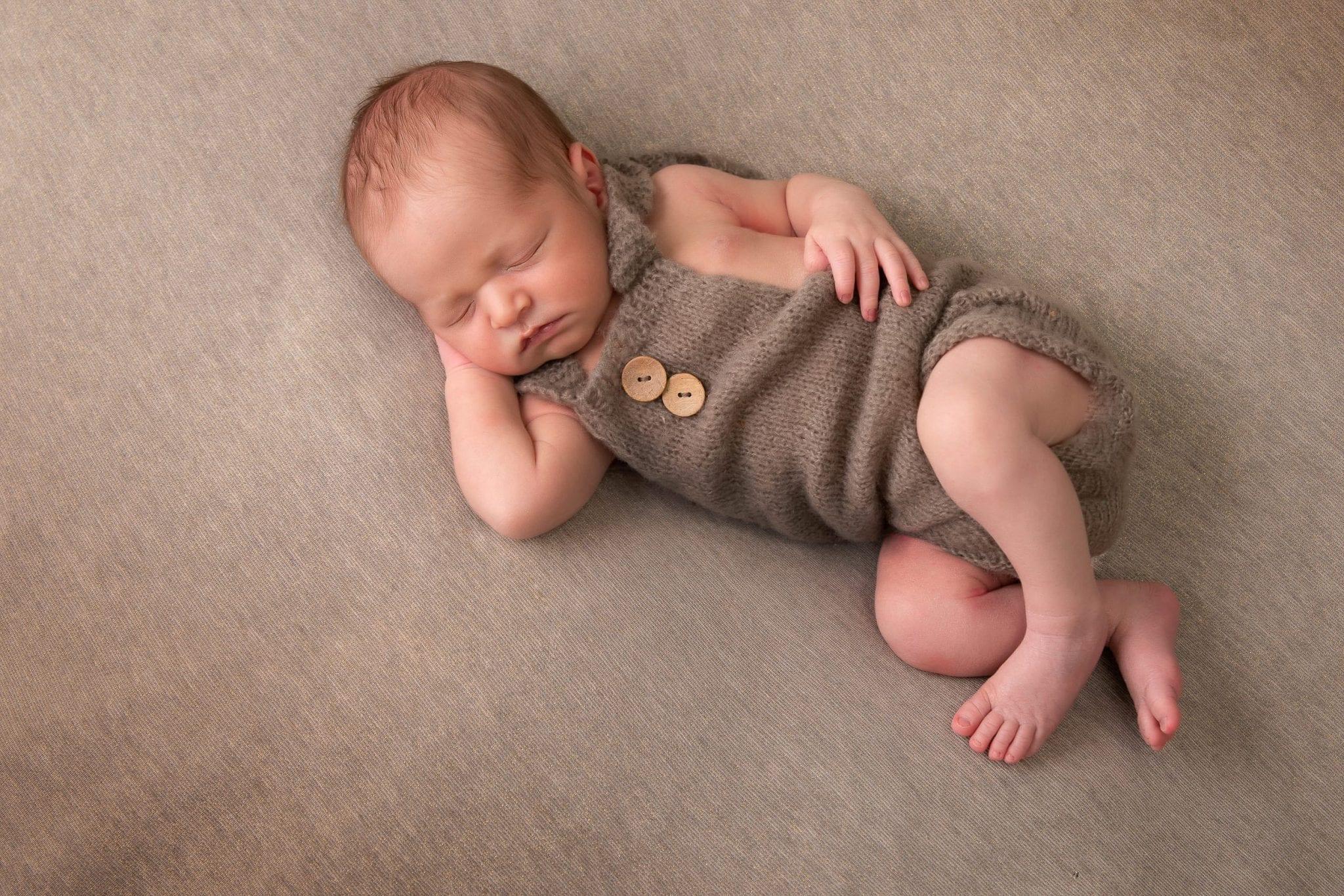 Photographie de nouveau né - bébé - Studio End