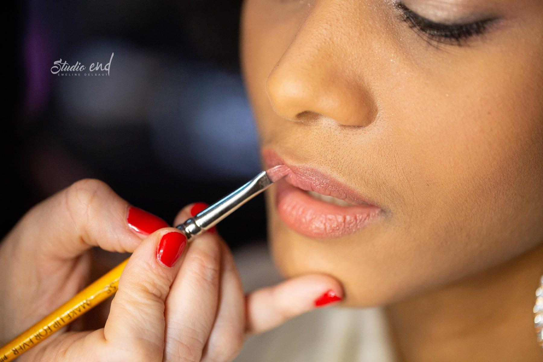 gros plan de maquillage pour un shooting mode réalisé par le Studio END près de Rodez
