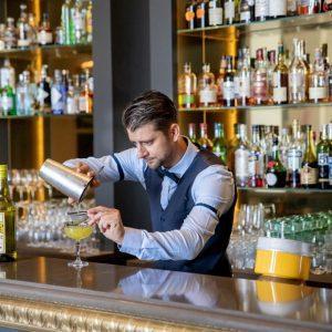 Bar & barman du restaurant 1912