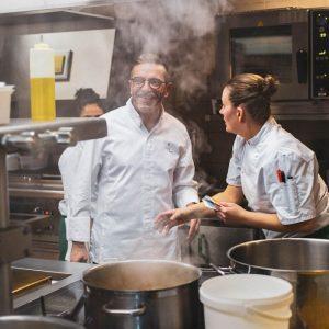 Dans les cuisine du chef Sébastien Bras, reportage culinaire