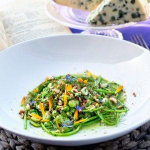 Photo de plat de salade composée