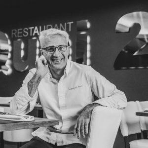 Portrait de David Lassauvetat dans son restaurant